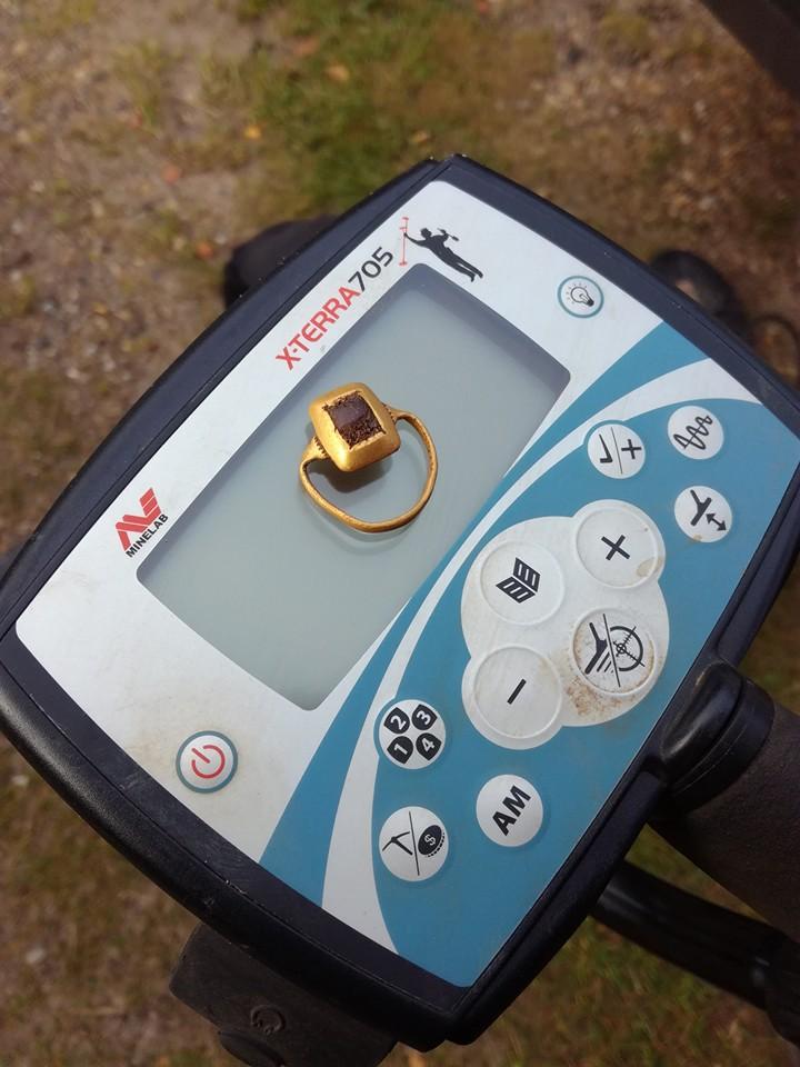 Guldring middelalder fundet af Rene Hansen med Minelab X-Terra 705
